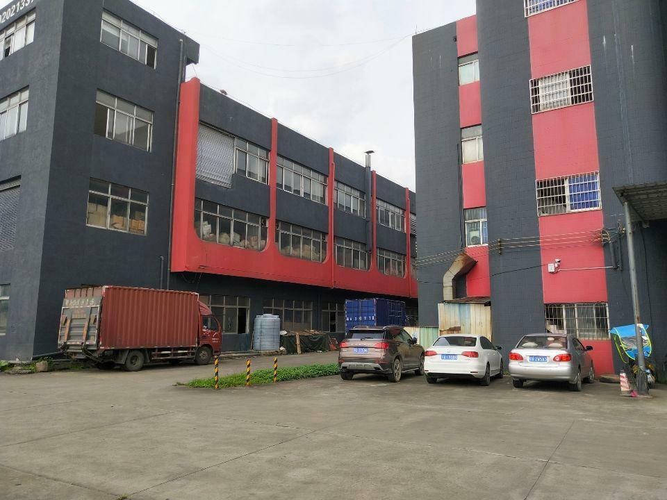 黄埔荔联新出楼上600平方原房东厂房出租。