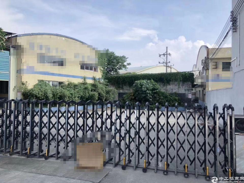 独门独院钢构厂房招租,现成地坪漆,证件齐全可办环评