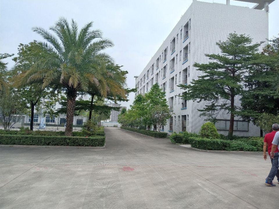 独院标准厂房三层13600平米出售
