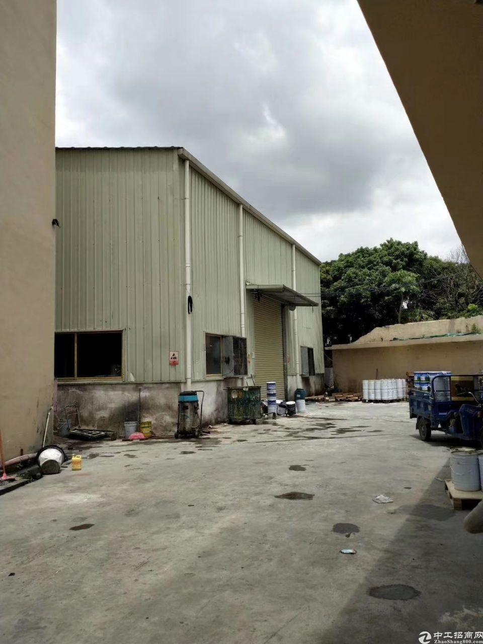 茶山镇新出小独院,滴水9米高的钢构厂房招租