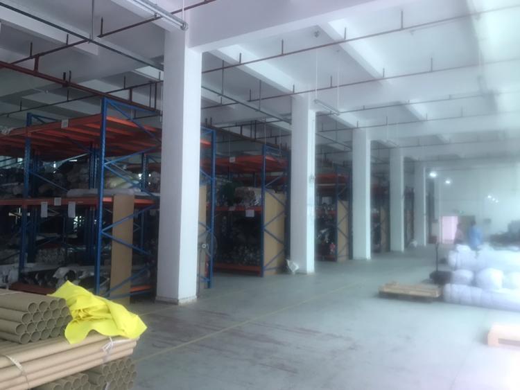 平湖华南城三楼厂房1150平方出租
