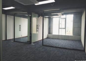 宝安福永地铁口90平写字楼出租图片1