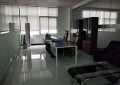 光明中心甲级全新精装独立小办公室1加1格局配套齐全物业直租