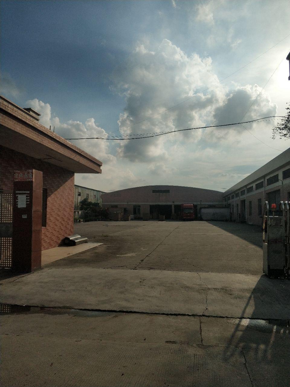 独门独院滴水9米高钢结构厂房可进拖头车