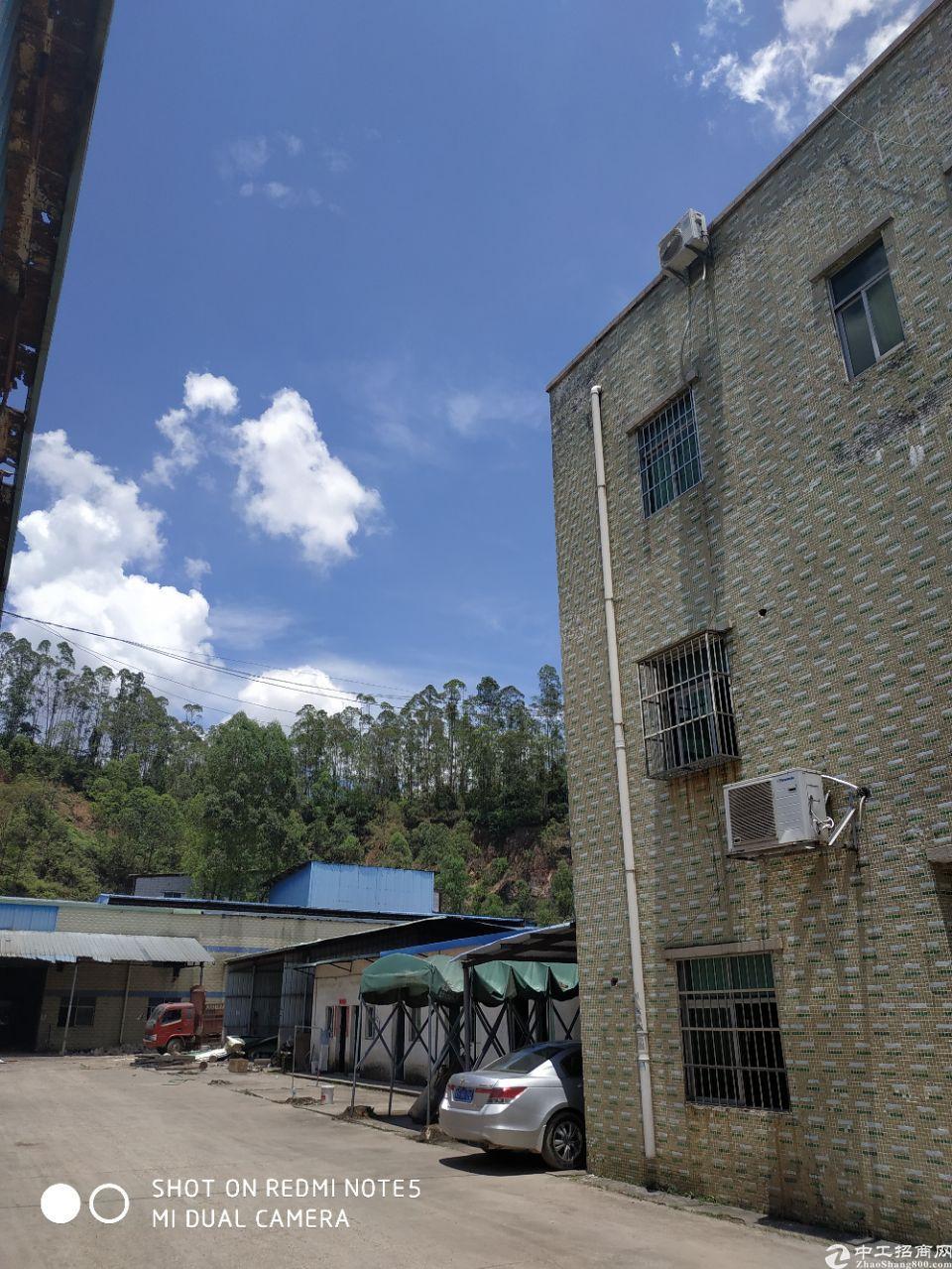 约场靠山边独门独院钢构厂房出租,证件齐全,带红本,可办环评