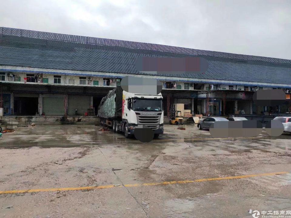 布吉新出一楼仓库3200平方带卸货平台