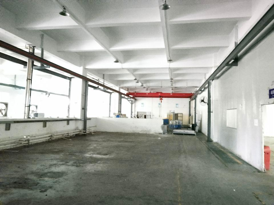 长安乌沙新安大桥旁新出一楼带行车精装修厂房2180。