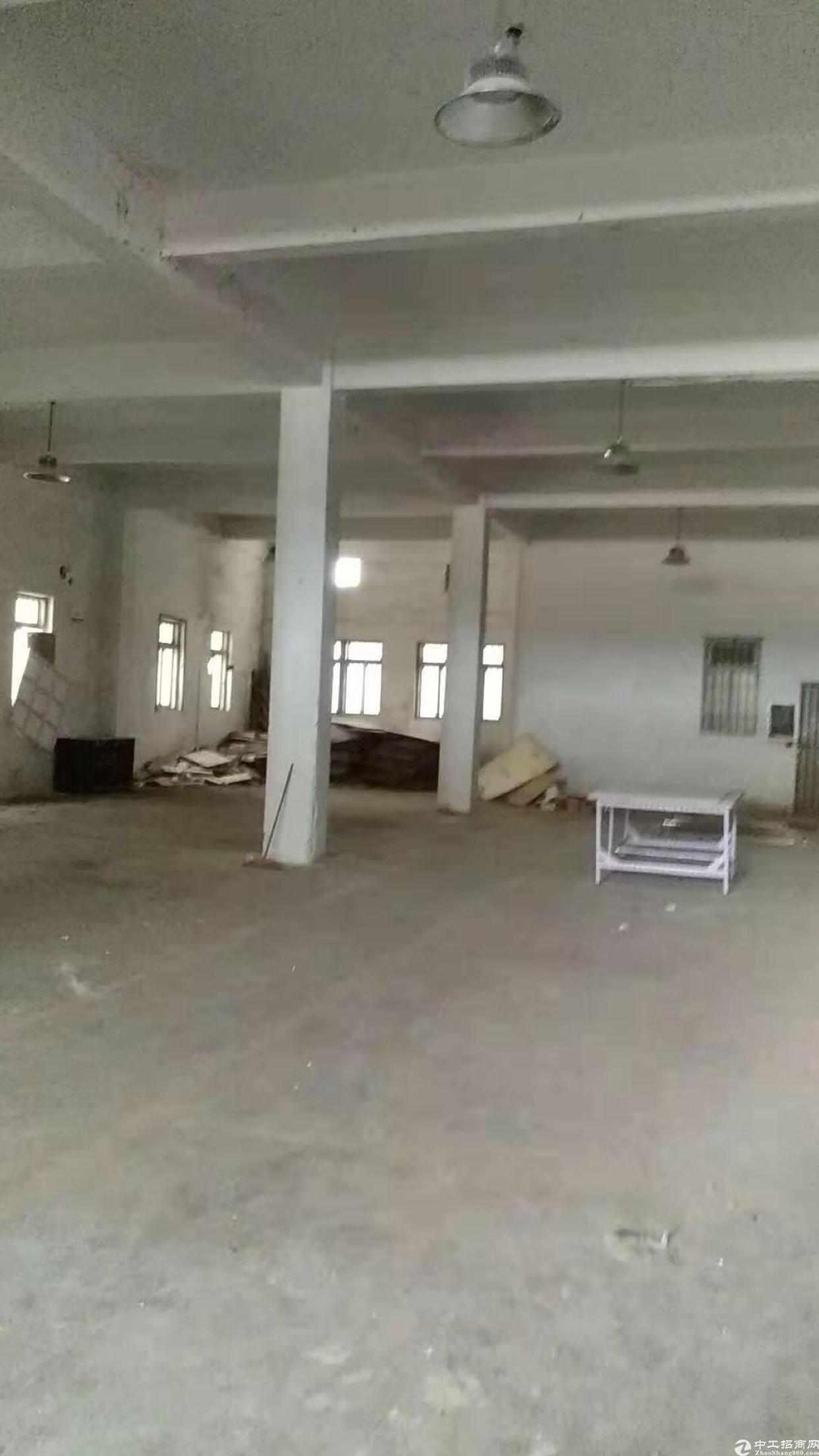 10元厂房标准厂房2楼1200平方