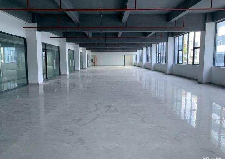 六约地铁站附近200平办公室招租,户型方正,阳光充足图片3