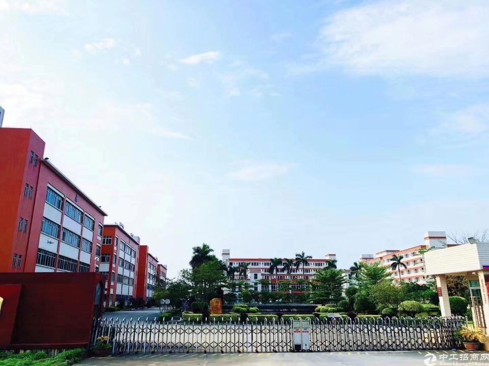 做学校的客户看过来14万平米标准独院厂房配套设施齐全。