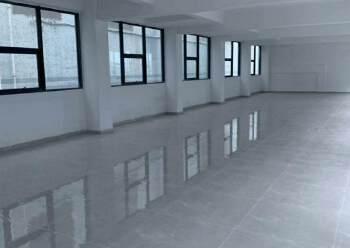 六约地铁站附近200平办公室招租,户型方正,阳光充足图片2