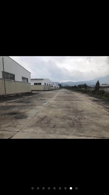 超大空地1.5万平方米,8栋钢构厂房出租