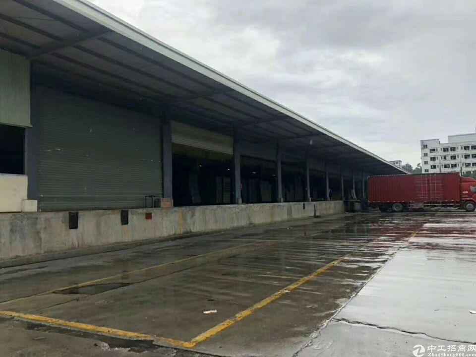 新桥高速出口新出原房东物流仓库17000平米出租