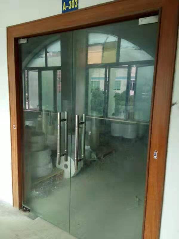 长安镇乌沙新出三楼680平方带装修厂房招租