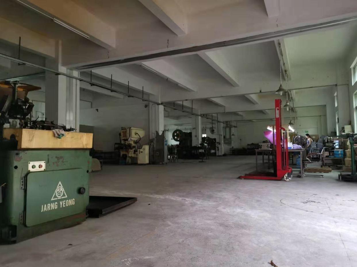 龙岗同乐一楼500平实际面积带办公室装修出租