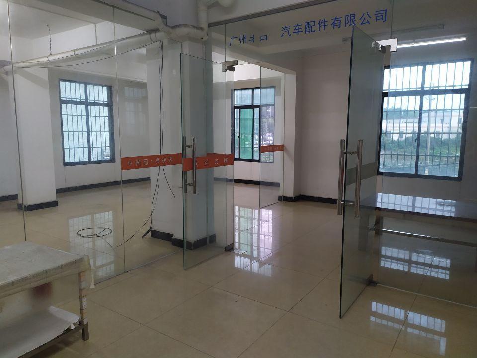 白云区太和镇标准精装厂房550平方,一吨电梯,价格优惠