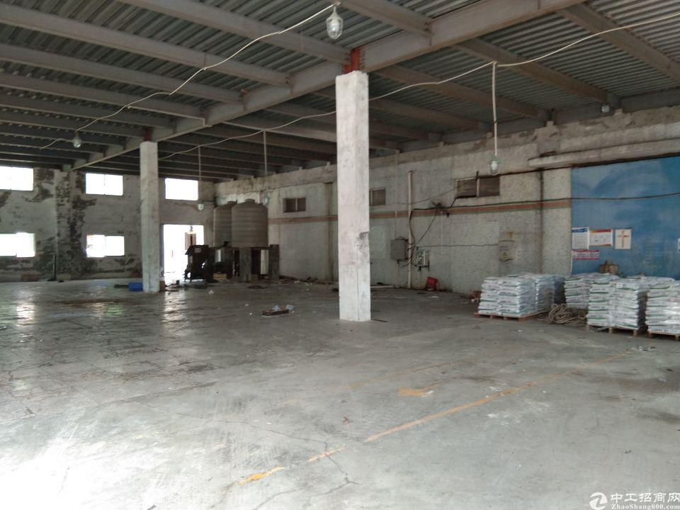 深圳市龙岗中心城附近五联原房东厂房钢结构2400㎡
