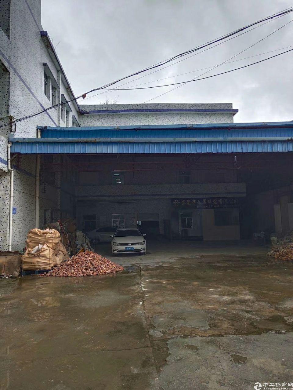 樟木头百果洞管理区原房东4500平独院,厂房一栋三层价格便宜