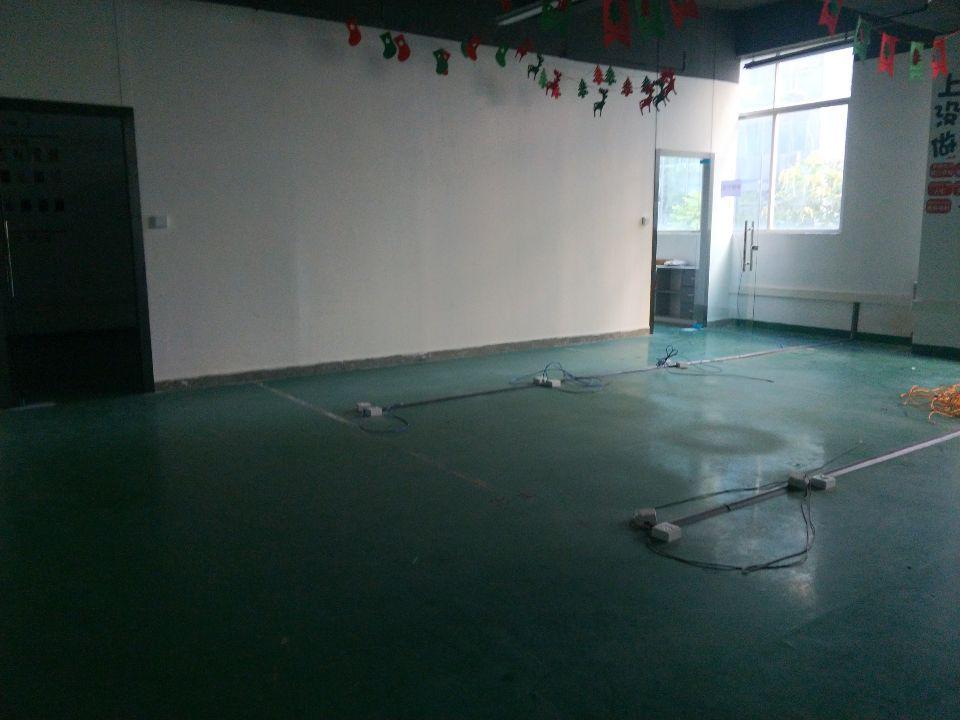 坂田上雪科技园楼上1500平方精装修厂房出租