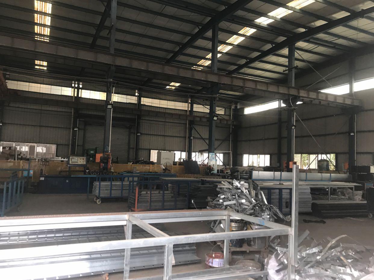 武汉黄陂武湖钢构厂房出租,4000平现房航吊。