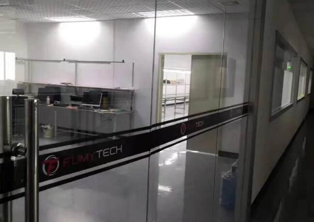 福永大洋田靠近地铁站楼上700平带装修无转让费厂房出租。