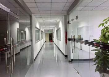 福永大洋田靠近地铁站楼上700平带装修无转让费厂房出租。图片3