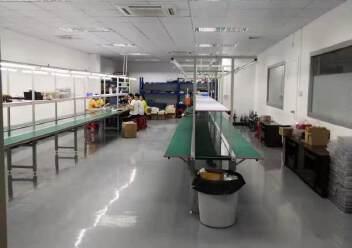 福永大洋田靠近地铁站楼上700平带装修无转让费厂房出租。图片5