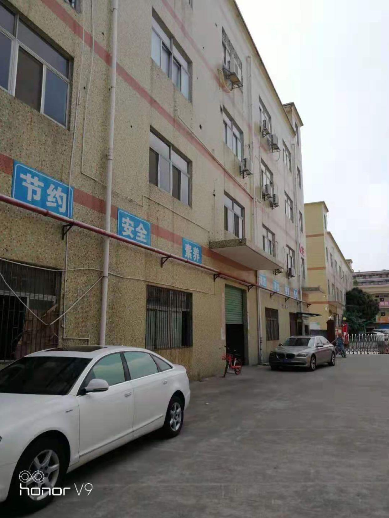 龙岗嶂背一楼700平厂房出租全新地坪漆办公室