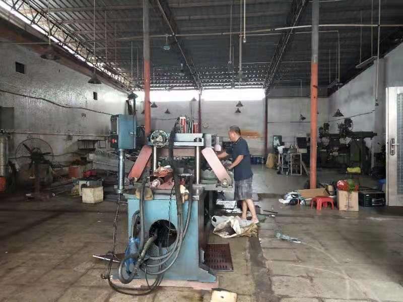 长安镇乌沙实业客转租一楼铁皮房实际面积350,