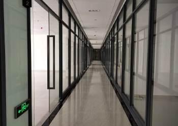 固戍地铁站精装60平至800平大小任意组合特价直租图片1