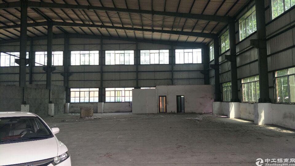 横沥镇独栋钢结构厂房980平方带牛角