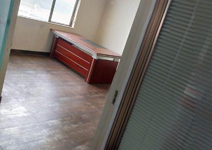 龙华油松商务大厦带家具写字楼出租图片5
