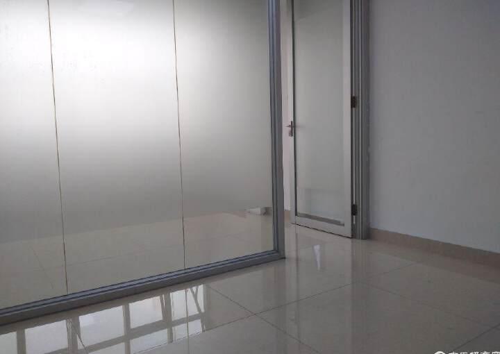 龙华地铁口,龙胜商业大厦,1+1格局,拎包入住图片3
