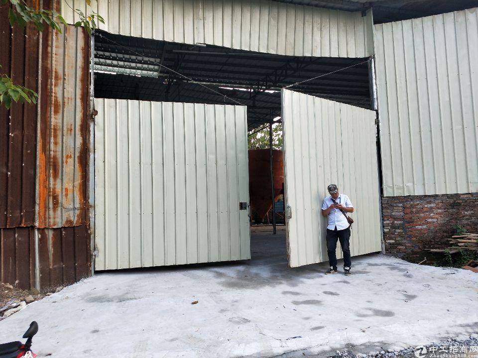 广州市黄埔经济开发区南岗新出800平钢结构仓库出租。