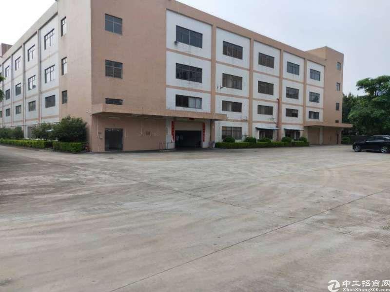 清溪镇靠近塘夏镇带装修楼上厂房1200平米低价急租