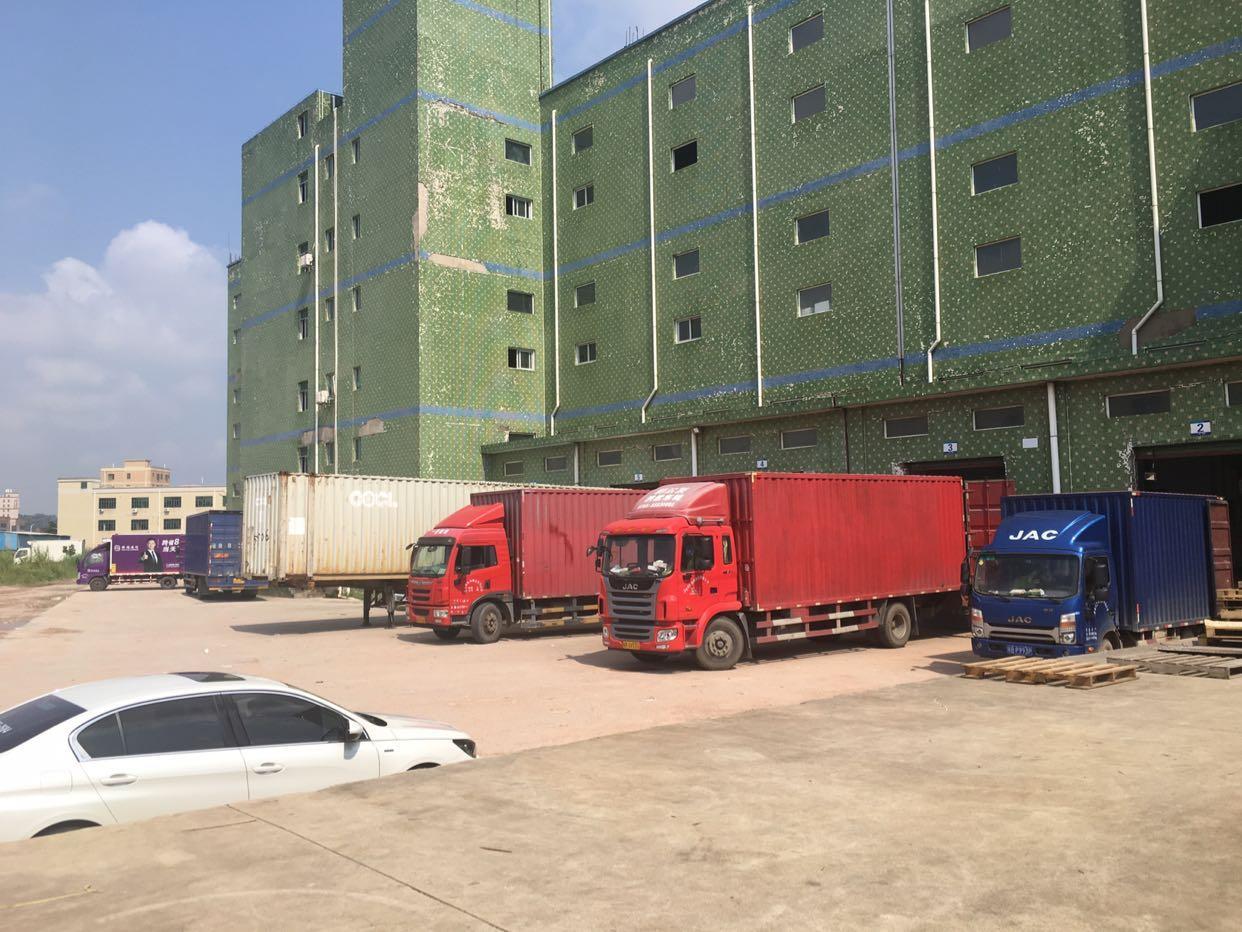 5吨货梯仓库低价招租,面积任选