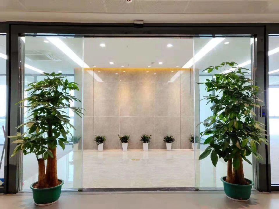 黄埔开发区楼上整层3000平带装修,可分租。无需转让费