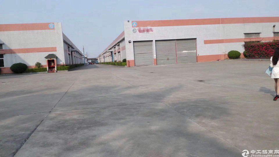 砖墙到顶钢结构单一层厂房3800平,靠近高速出入口