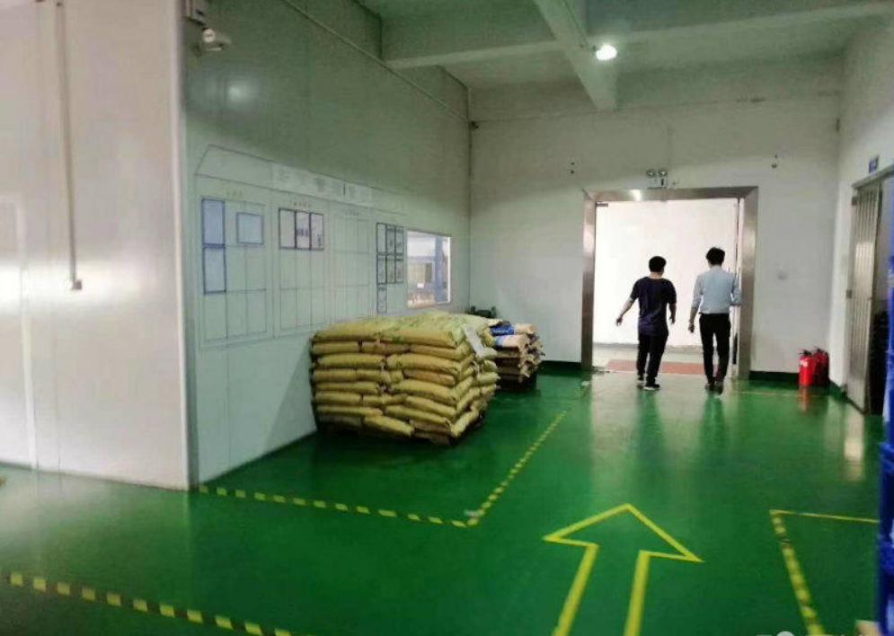 塘厦田心新出980标准一楼精装带行车(公摊小只租21元全包)