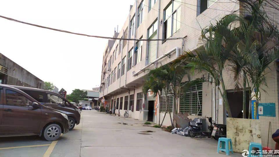 长安镇厦边新出一楼带行车厂房1000平方水电齐全