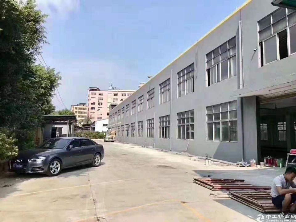 公明原房东独院厂房5200平,有独立办公楼,报价26,形象好