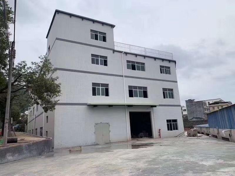 清溪镇三中村三层全新独院厂房,总面积4320平方打抱价7万元