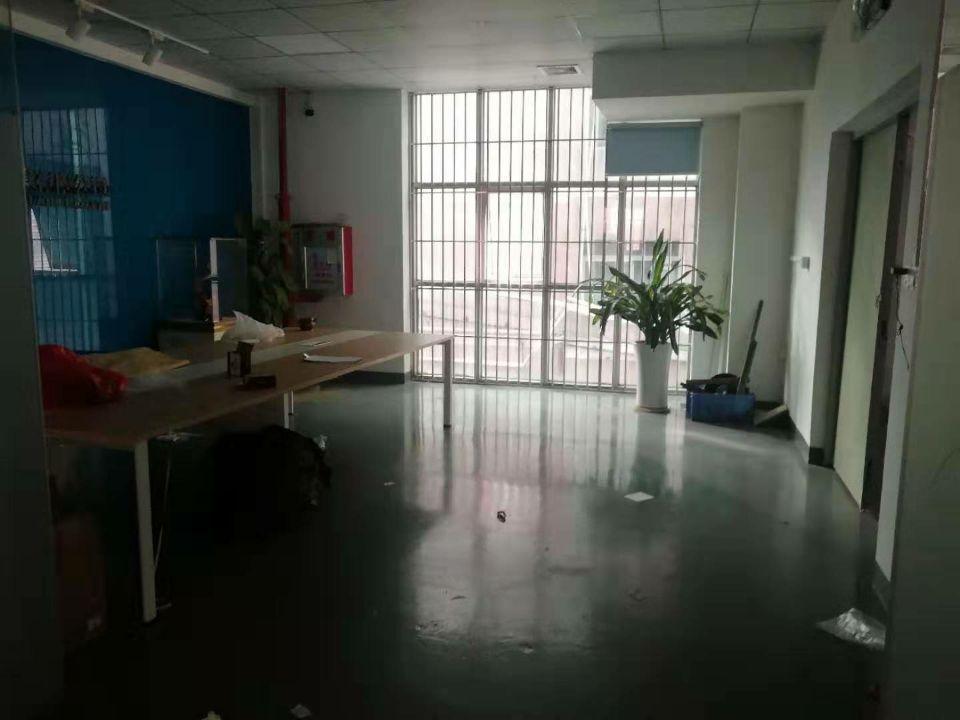 2楼1350厂房招租,环氧地坪漆办公室带装修