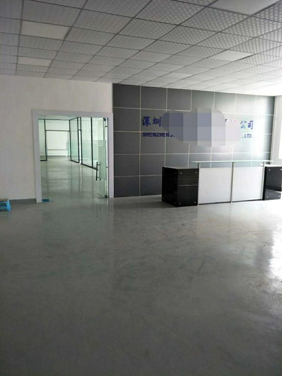 宝安福永地铁口3楼1200平,现成装修水电到位拎包可入。