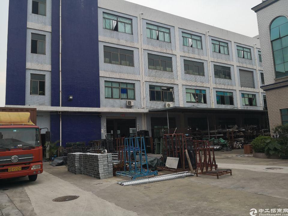 平湖上木古工业区三楼1300平方出租
