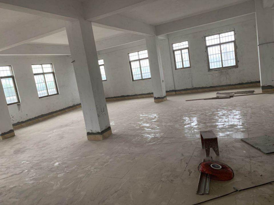 人和新出一楼500平方标准厂房仓库出租-图2