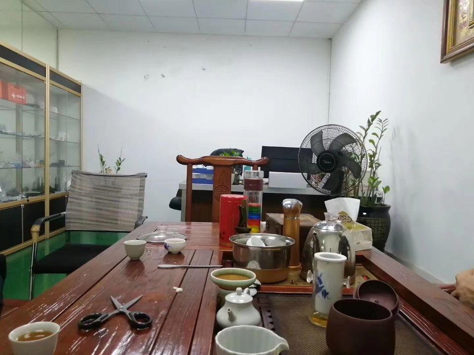 平湖新出华南城新木工业区独院厂房6000平方出租,可分租