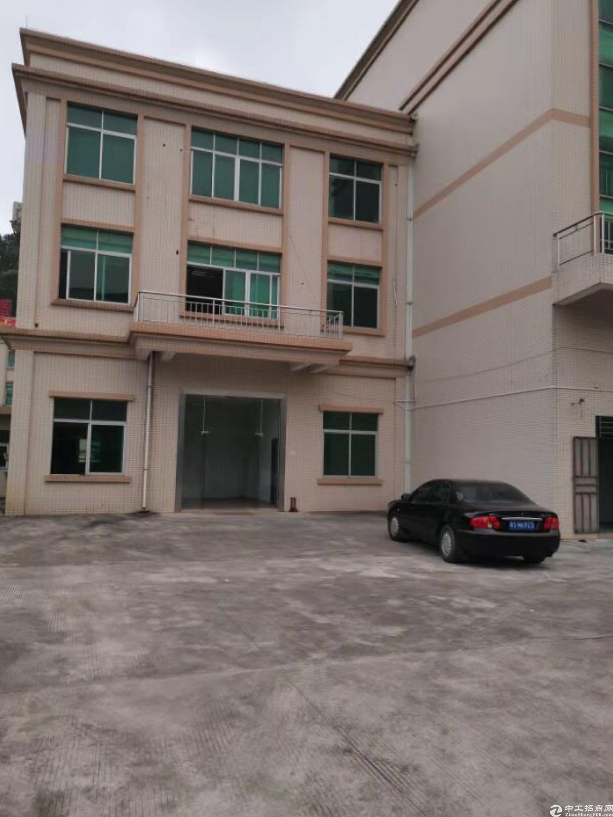 大朗原房东带装修独门独院6800平可以分租一楼带行车