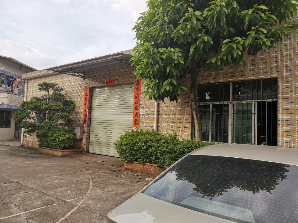 单一层砖墙到顶钢构厂房1100平方带精装修办公室出租