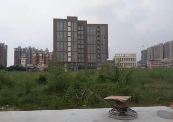 工业园区旁标准写字楼16000平招租图片1